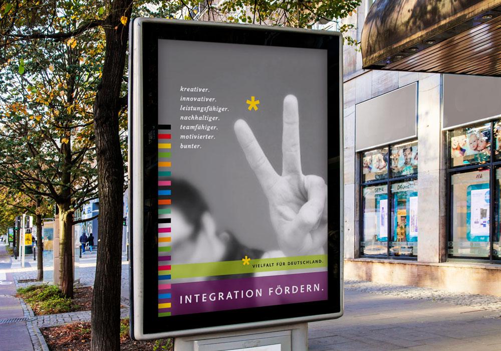 Plakat-Wettbewerb BDG Integration fördern Citylight | DEPUNKT