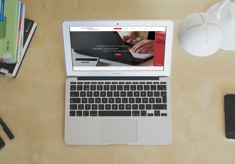 Dienstleistungs-Webseite, Steuerberatung Bergenrodt, Laptop-Screen | DEPUNKT